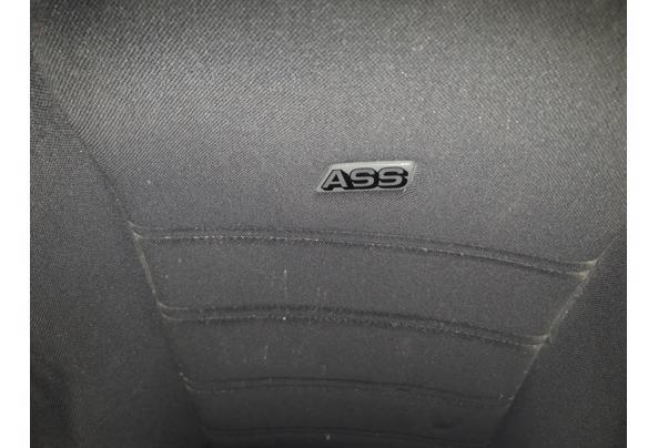 Autostoel met extra steun voor de benen - 20201104_113900