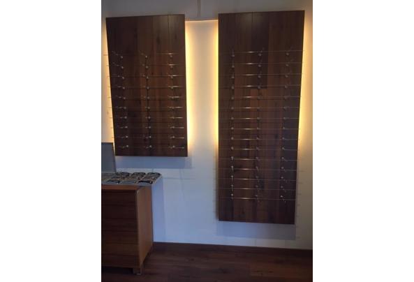 Houten panelen met indirecte verlichting daarachter - IMG_2422---kopie