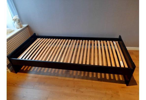 Eenpersoons bed - A38C36FE-2534-49B6-A729-354116BDABD4