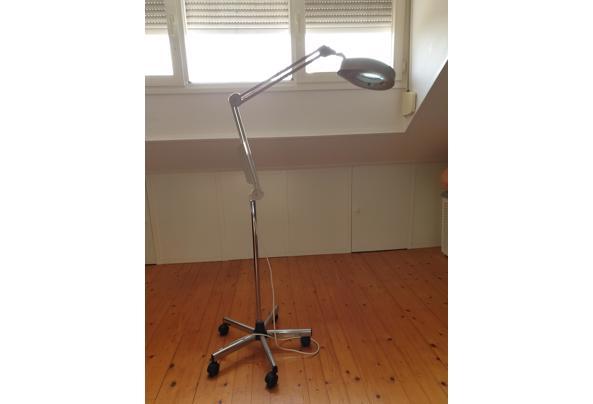 Loeplamp op voet - 20210503_090647