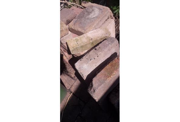 Gratis af te halen betontegels voor terras.  - 20210417_132957
