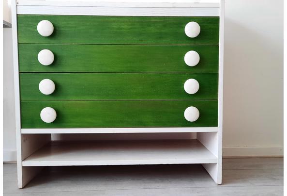 Stevig houten ladekastje - 20210801_130406
