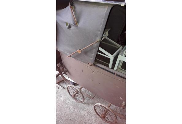 Oude kinderwagen - 20210915_163336
