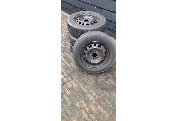 Winterbanden met stalen velgen. Michelin 195/65 R15 voor oa Mazda 5  - IMG_20210206_132237
