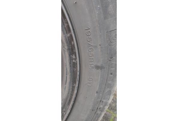 Winterbanden met stalen velgen. Michelin 195/65 R15 voor oa Mazda 5  - IMG_20210206_132251