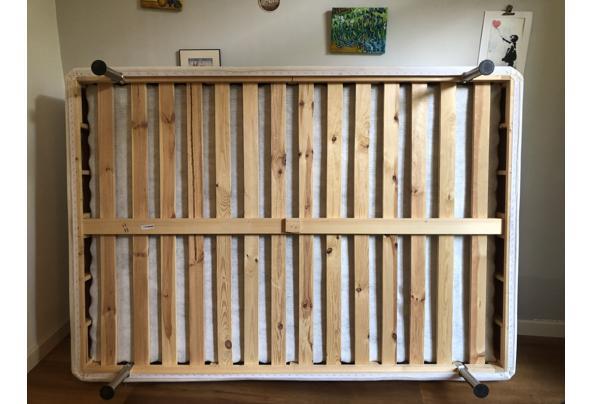 Bed boxspring 140x200 cm - 689DB958-652D-453F-9836-FE7F72D24435