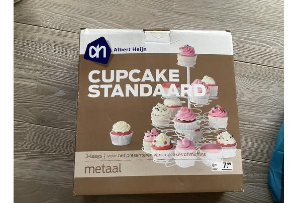 Cupcake standaard - 13639D11-4E71-4C18-8BD6-730C8BA1DB7F.jpeg