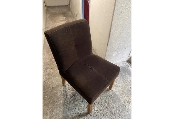 6 gebruikte stoelen - B16B59A8-38A8-473E-821A-118DC032B178