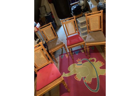 4 Houten stoelen, gratis af te halen - E77E4D2C-B350-497D-B3AD-2F9A3E0F757D.jpeg