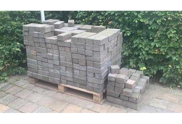 Gratis stenen  - 9EFCCC4C-49C9-4E30-8F0A-9836D5A4163C
