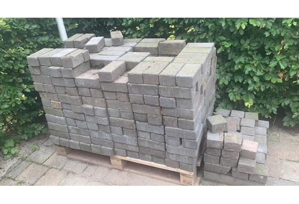 Gratis stenen  - FC2CAED0-AF68-4832-8961-ED0214F6F947