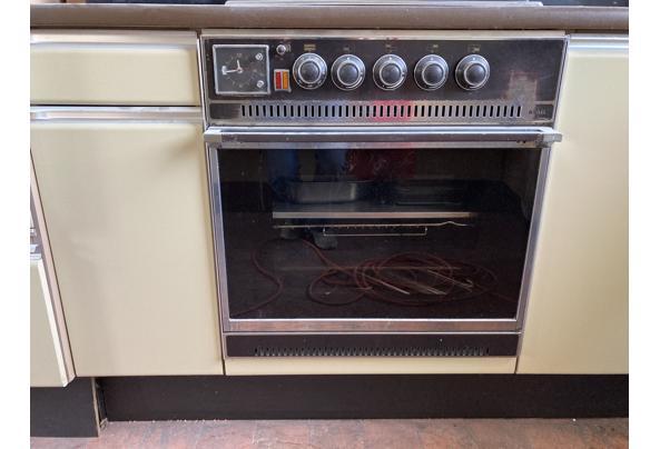 Retro keuken in perfecte staat - C8E81C2E-F488-4692-8363-36EAE0BCE470.jpeg