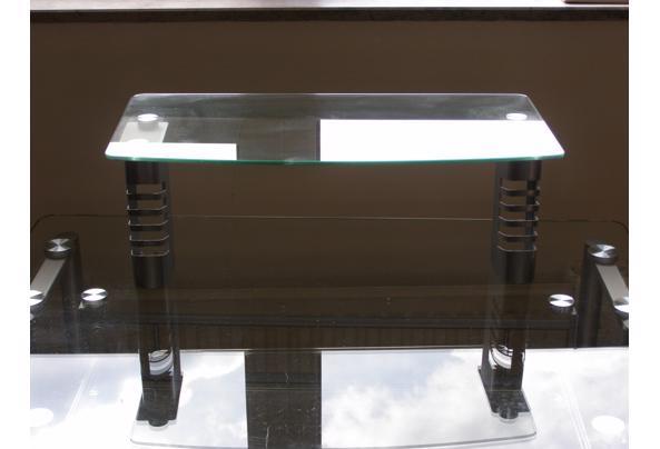 Glazen computertafel in goede staat. - P4090089