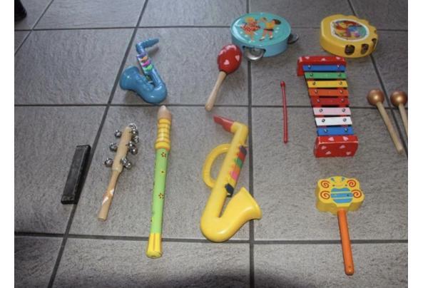 Speelgoed instrumenten van plastic - 9A18D0CA-33F4-401A-9F6C-63DD951BE341_637517929802712013