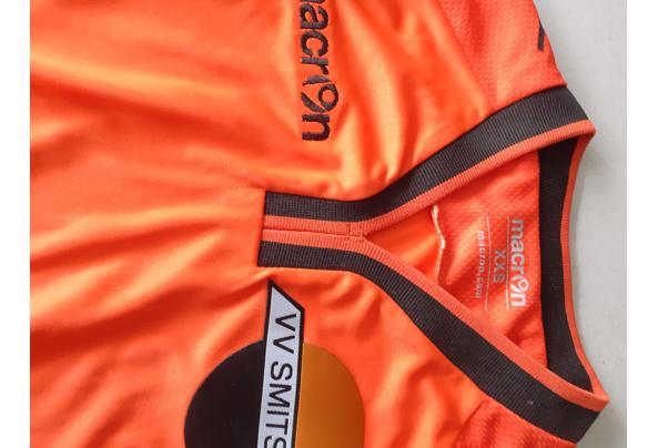 Nieuw wedstrijdtenue Smitshoek voetbal ver. Maat xxs - 20210801_155932