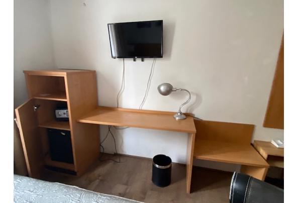 Hotel kast met inbouwkoelkast - foto-gratis-op-te-halen