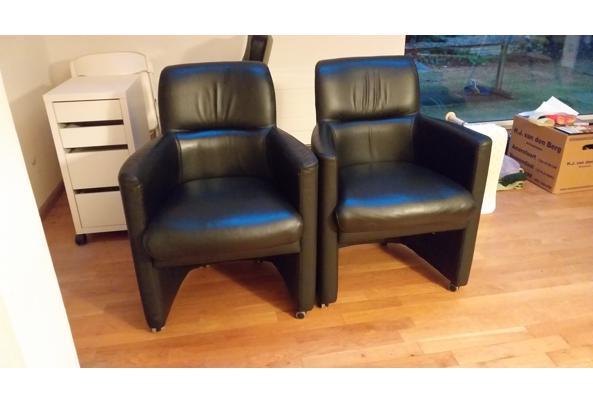 Twee stoelen op wieltjes - 20201207_163122