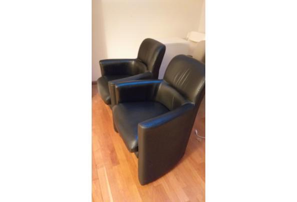 Twee stoelen op wieltjes - 20201207_163212