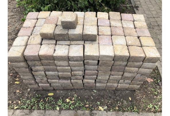 Getrommelde stenen gemêleerd 10,5 x10,5 cm ongeveer 9 m2 - 74F8EDE6-EF34-4E6B-A36D-10FD743509DF