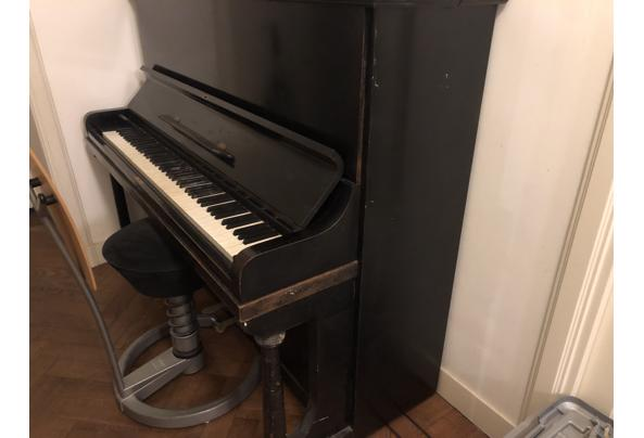 Zwarte Rönisch piano - 127E296F-7762-4CD0-8A05-F8E2587CE6C8.jpeg