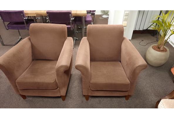 2 bruine fauteuilles stoeltjes fijne rib bruin - 20201218_173258