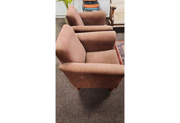 2 bruine fauteuilles stoeltjes fijne rib bruin - 20201218_173313