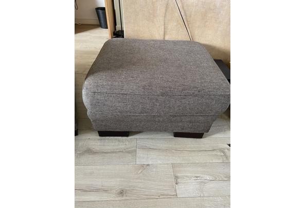 Mooie fauteuil plus hocker - 3B7D1853-FEA1-42A4-B77D-D5050540FE0E