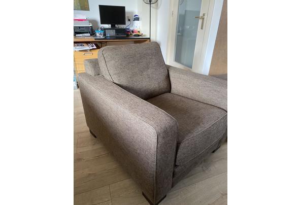 Mooie fauteuil plus hocker - DFE7589B-10E9-4ACD-B8EF-1BA4B42A8469