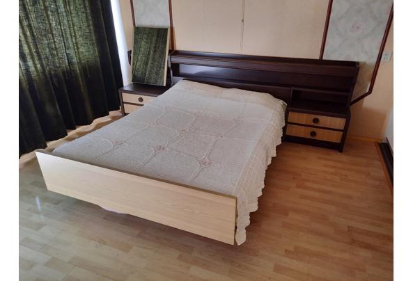 2-persoons bed met ombouw, vaste ladekasten en passpiegel - 20210725_155201