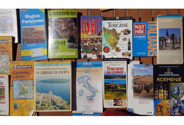 Rondje Europa in de vorm van kaarten, reis- en taalboeken - 20210606_155042