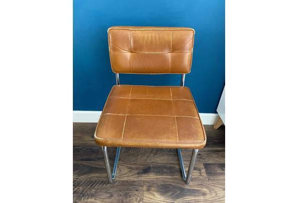 4 stoelen cognac met stalen onderstel - 38066903-166F-42F8-8173-9488D3901537