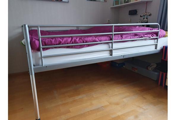 tweepersoons metalen bed - 20210304_105748