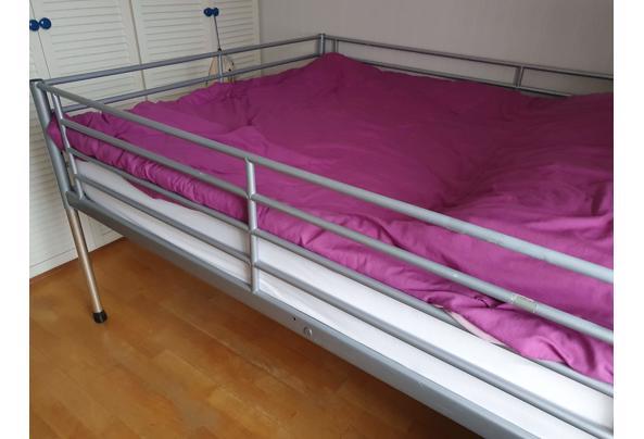 tweepersoons metalen bed - 20210304_105810