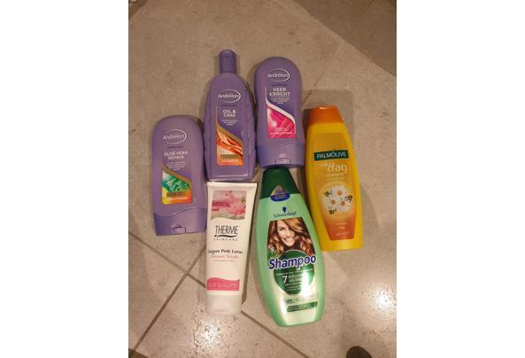 Shampoo toiletartikelen  - 16093397835056483377811724000474