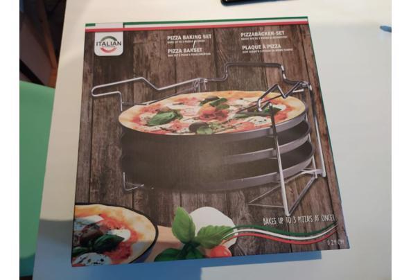 Pizzabakset - pizza.JPG