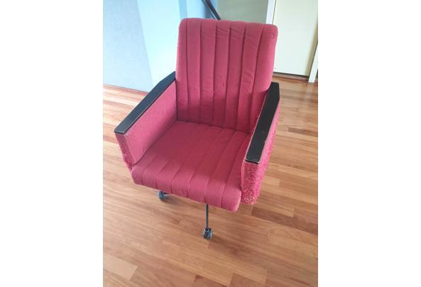 Vintage rode bureaustoel op wieltjes - Bureaustoel-01