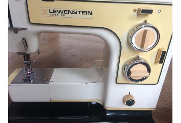 Lewenstein 904 naaimachine uit '75. Defect - 4F155E59-82A3-4A78-B9F2-FF628EE3D53E_637405190037335434.jpeg