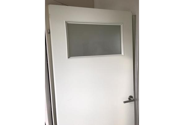 Gratis opzetdeur met raampje en scharnieren  - image_637397435831589638