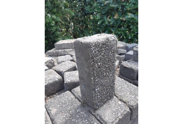 Betonklinkers en grindtegels in Driebergen - 20210425_161635