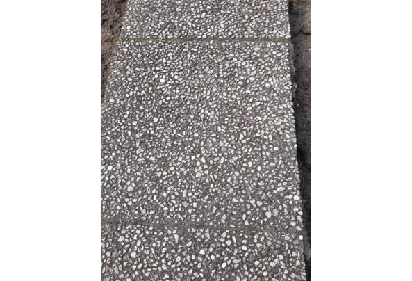 Betonklinkers en grindtegels in Driebergen - 20210425_161650