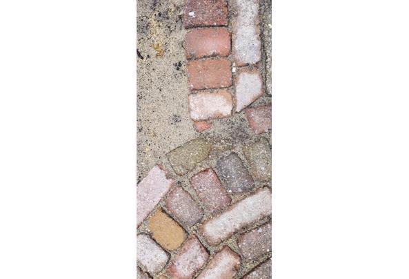 13m2 gekleurde betonnen klinkers maat 15x7,5x5 cm. - 20210501_084801