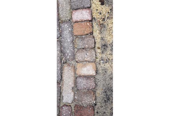 13m2 gekleurde betonnen klinkers maat 15x7,5x5 cm. - 20210501_084807