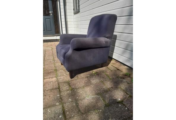 Twee blauwe landelijke fauteuils - 8D1FEAA0-D3D3-422F-B0CF-E719D3AFAF63