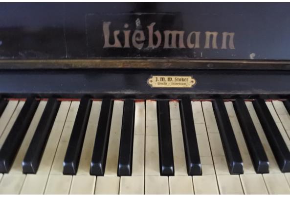 Zwarte klassieke Liebmann-piano - DSC_0492.JPG