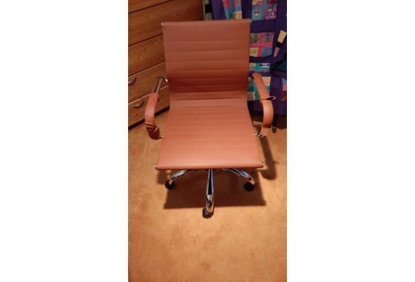 Buro stoel  - WhatsApp-Image-2020-11-29-at-16-55-36.jpeg