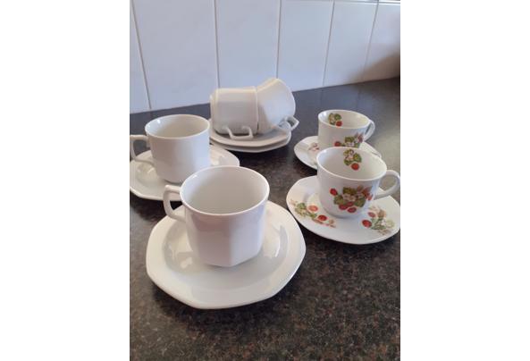 Serviesgoed  koffiekopjes en schotels - 20210514_144439