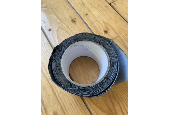 Dakgoot-tape - 4B406E62-EEBA-4C05-BC56-E6E026FEA0C9