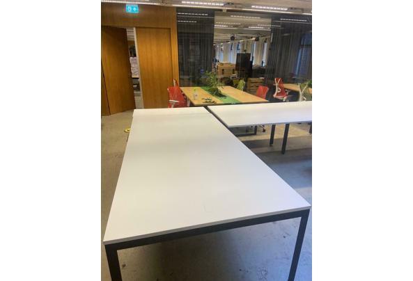 Herman Miller lange tafel (2 tafels beschikbaar, een met en een zonder kast) - $_86-(1)