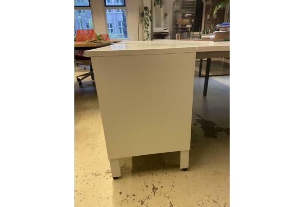 Herman Miller lange tafel (2 tafels beschikbaar, een met en een zonder kast) - $_86-(2)
