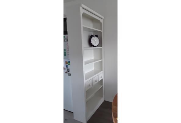Witte boekenkast - 20210902_102908